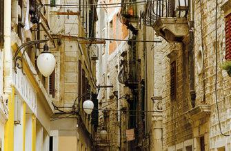 три итальянских города борятся за взание самой узкой улочки мира