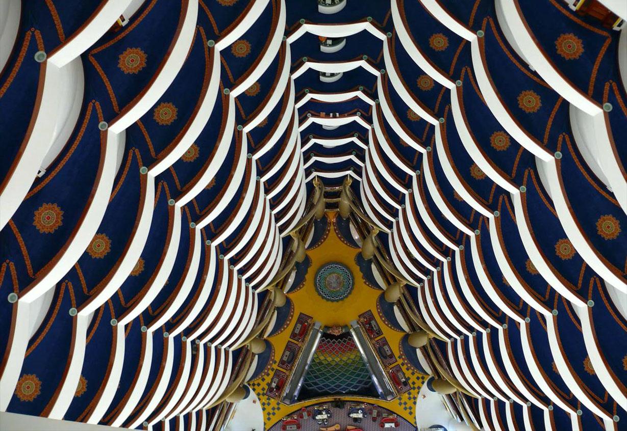вид сверху в холле отеля Бурдж аль-Араб