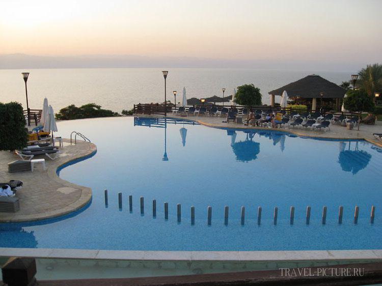 Вечереет в отеле Jordan Valley Marriott Resort & Spa 5*