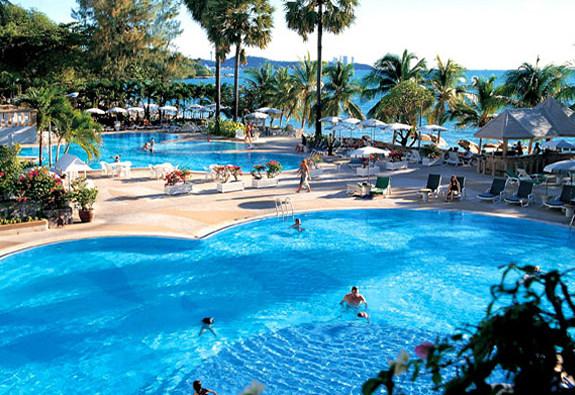 отель Паттайи Aisawan Resort & SPA 4