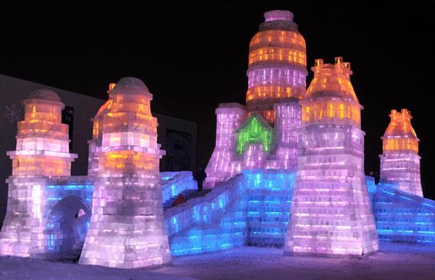 Ледяной парк развлечений открылся в Бангкоке