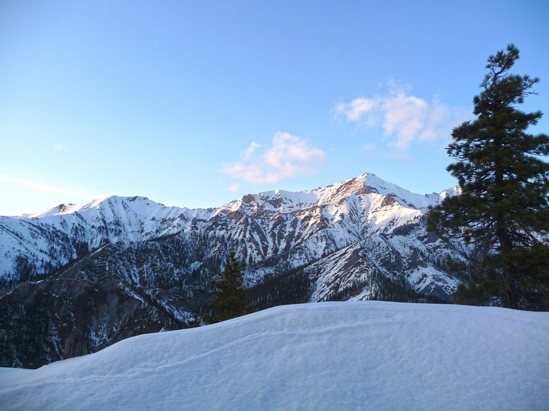 тункинская долина в снегу фото