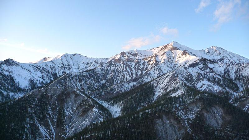снег на горах фото