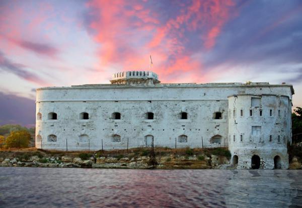 Михайловский форт