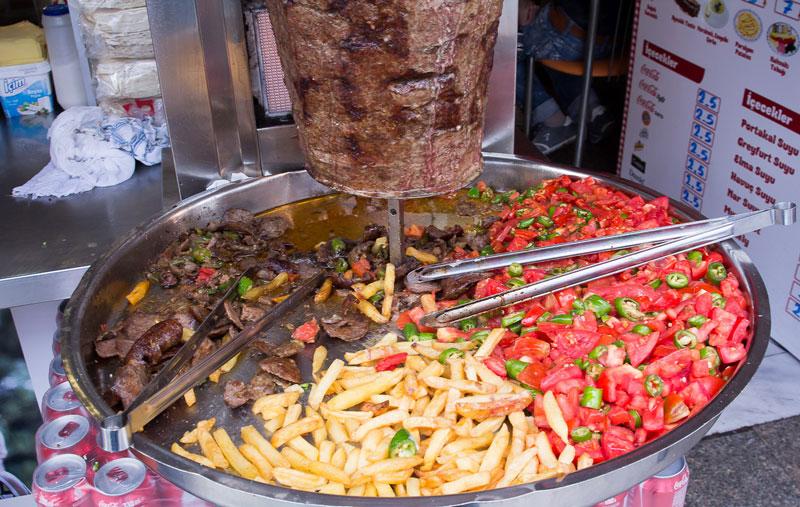 Дешевая и очень вкусная шаурма на площади Таксим