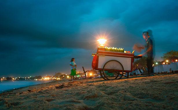 еда на колесах в Индонезии