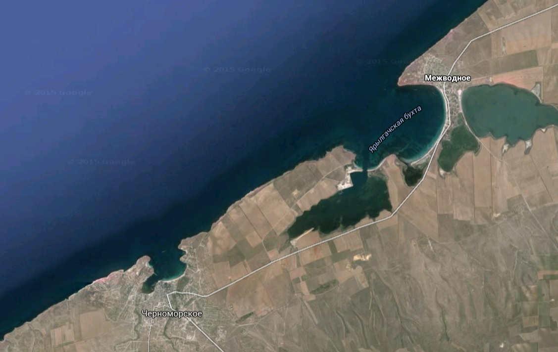 черноморская бухта в Крыму