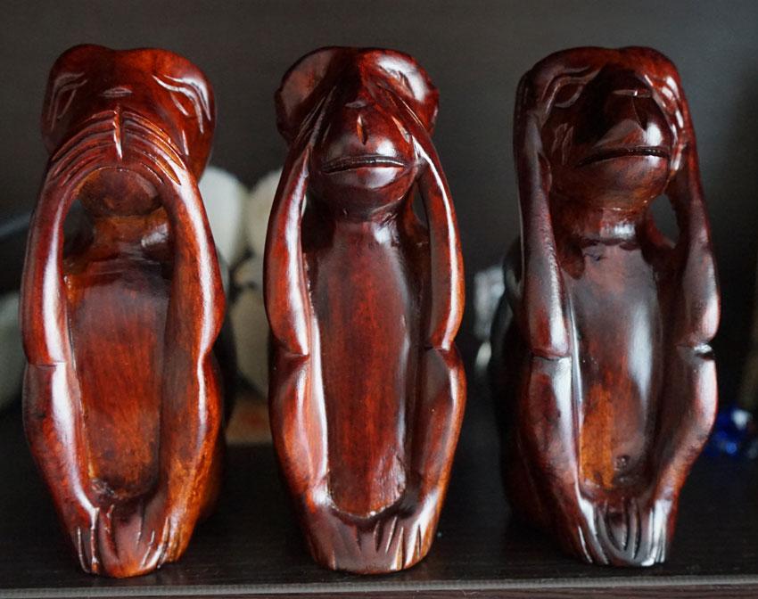 фигурки из дерева красного обезьяны