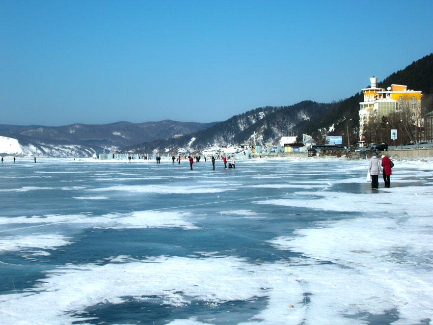 Поселок Листвянка зимой