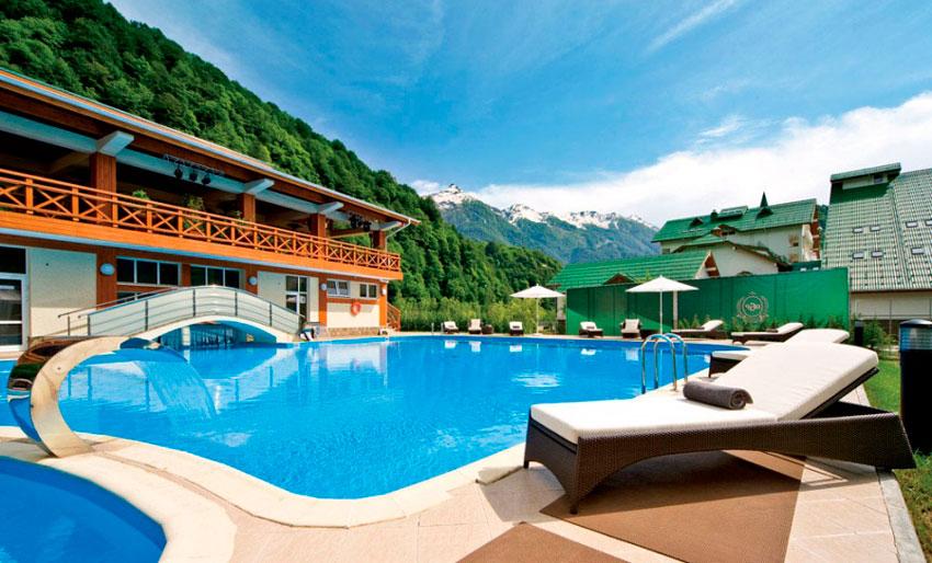 басейн в отеле