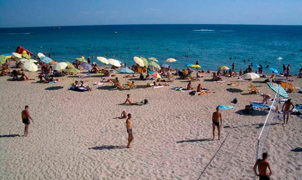 песчаный пляж родничок в евпатории