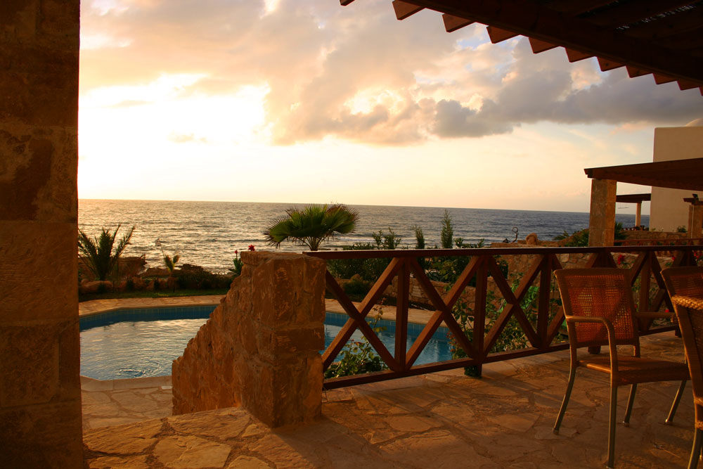 Когда отдыхать на Кипре лучше