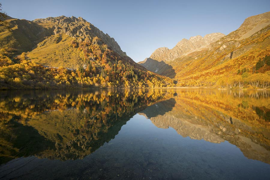 Высокогорное озеро Кардывач