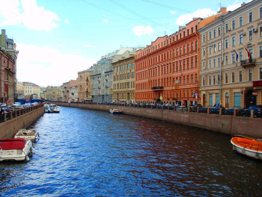 Отдых в Санкт-Петербурге летом