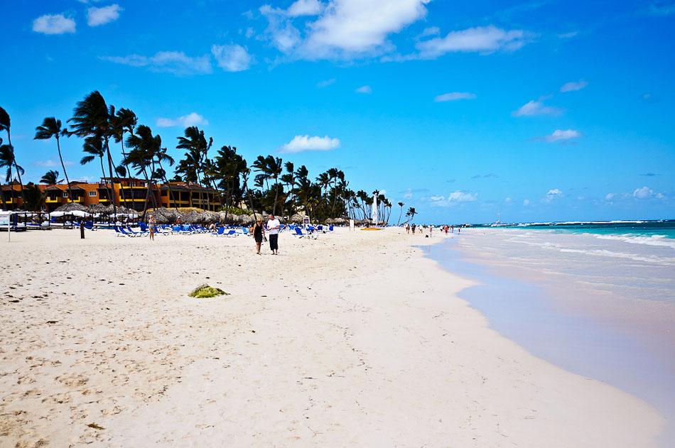 поехать отдохнуть зимой в Доминикану