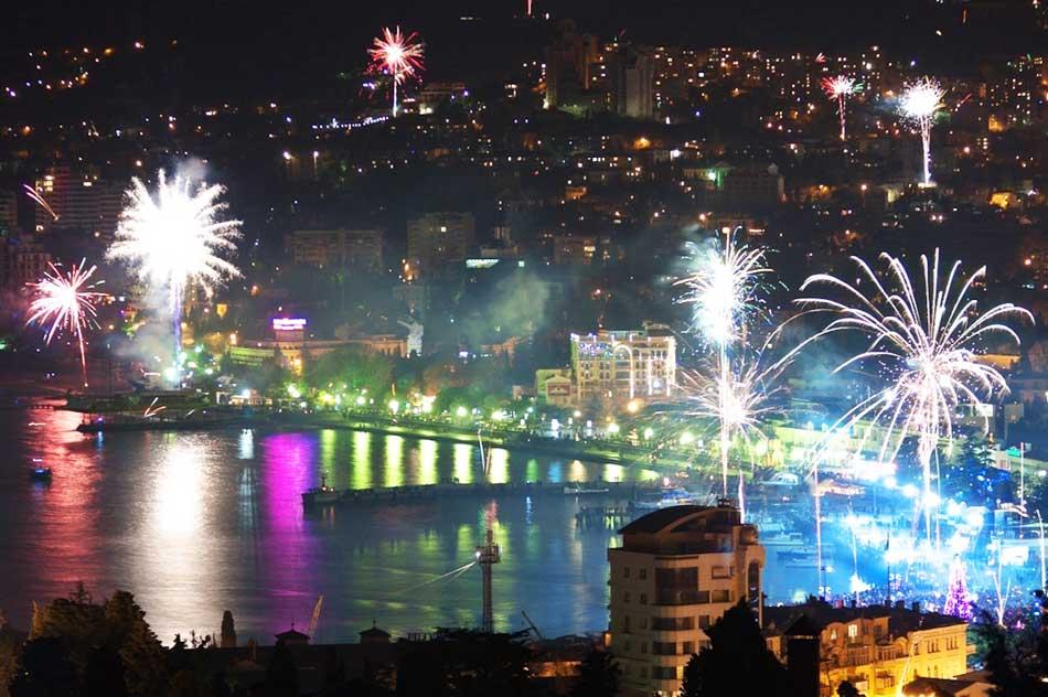 Новый год в Крыму 2019. Цены, туры, отели с программой