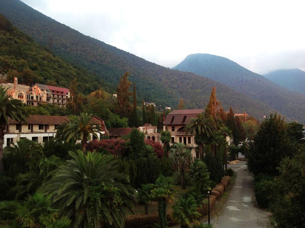 Что посмотреть в Абхазии, куда поехать на экскурсию, фото