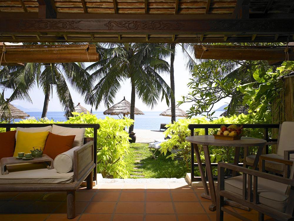 Отели Нячанга 4 звезды с собственным пляжем