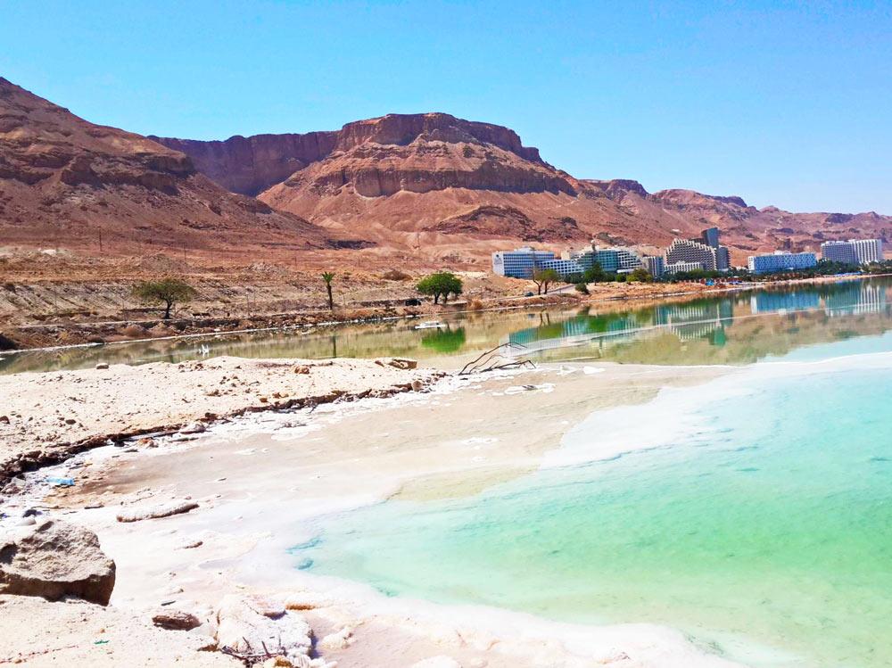Берег курорта в Израиле