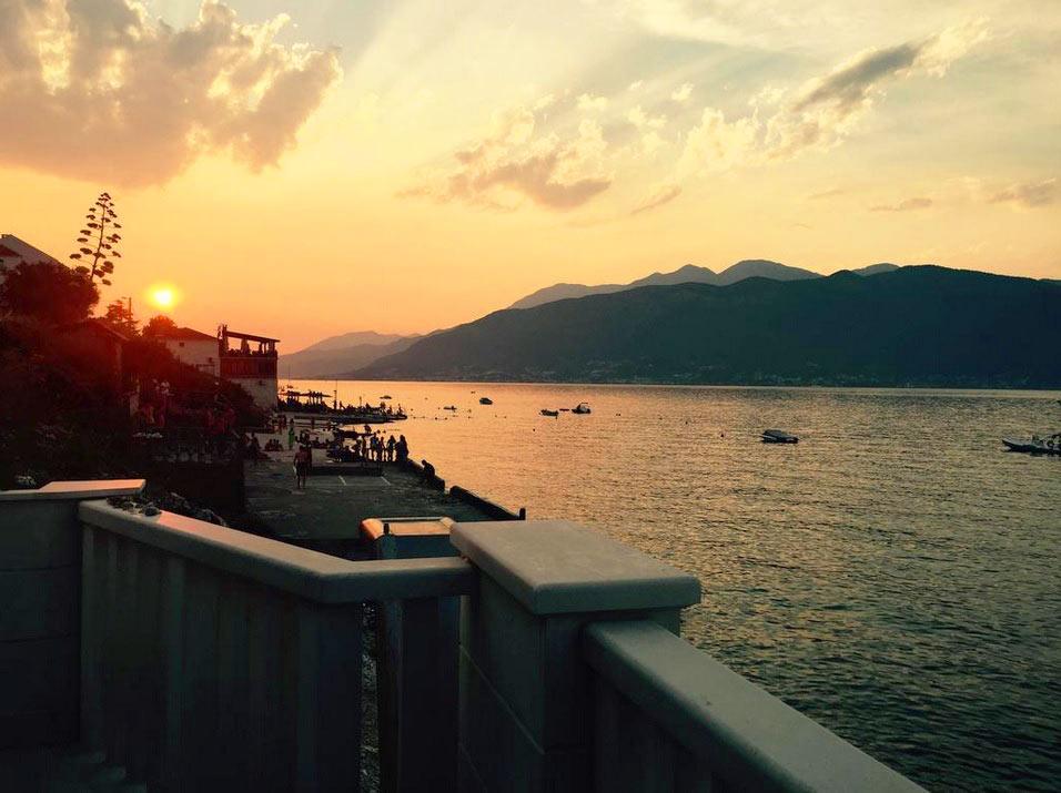 закат в Черногории