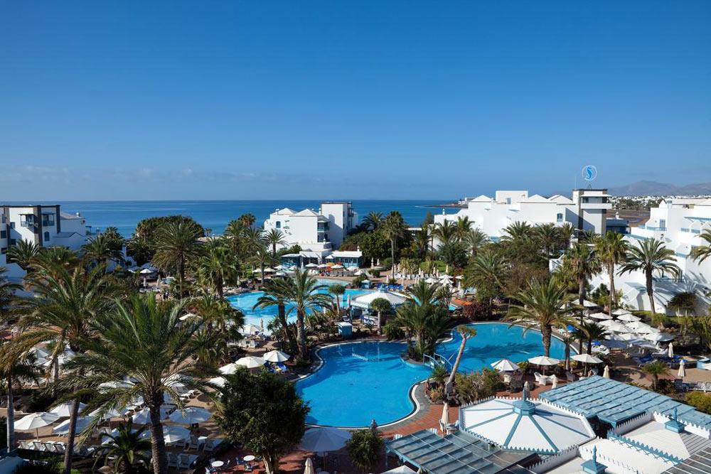Когда лучше отдохнуть у моря в Испании