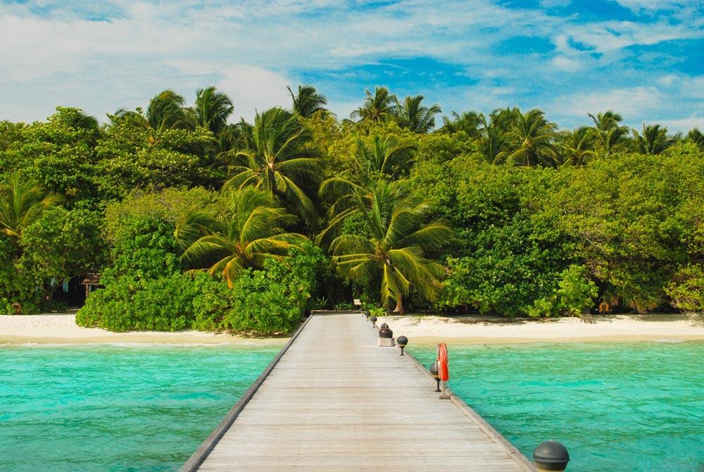 где отдыхать в декабре на море