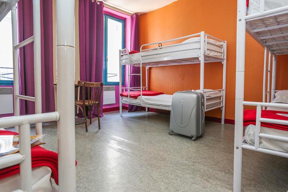 Снять недорогое жилье в Париже