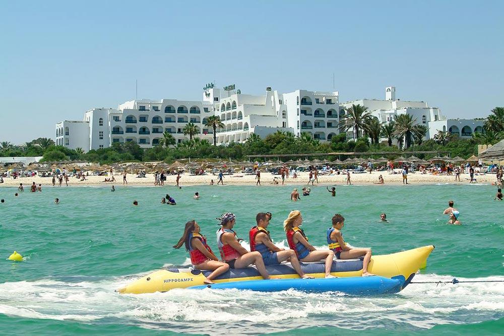 Hotel Marhaba Beach у моря