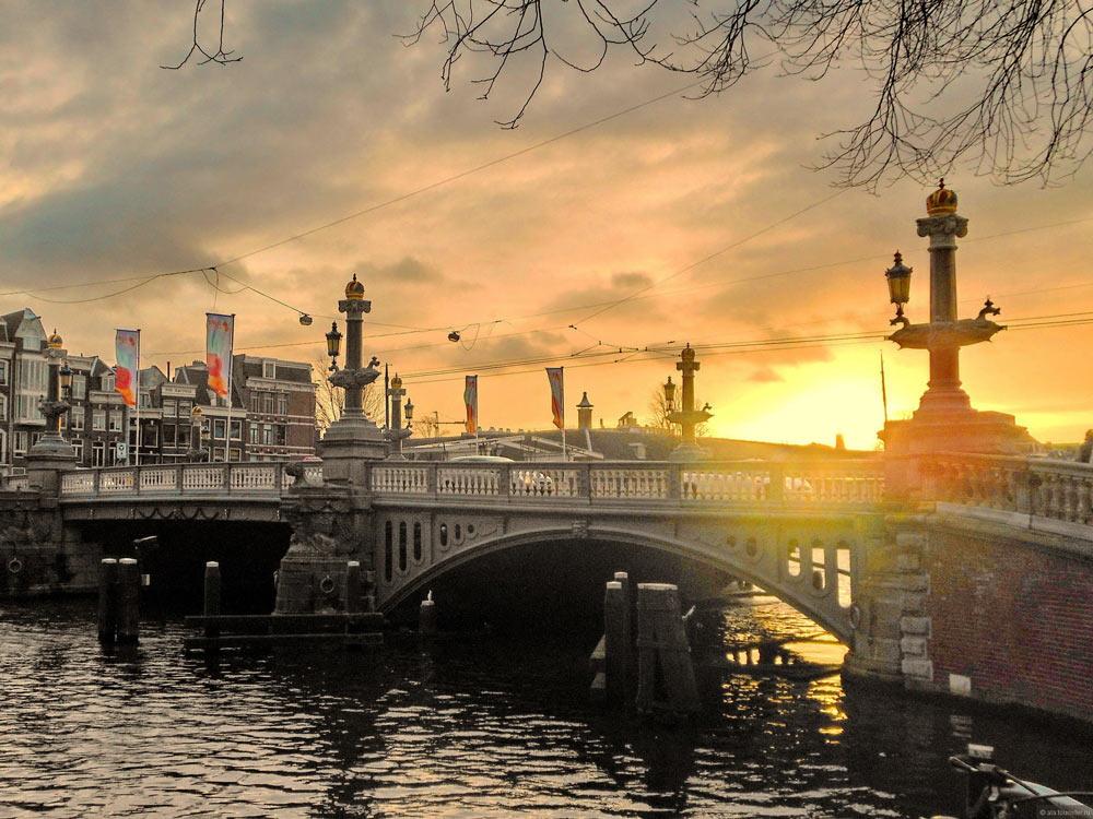 Где остановиться в Амстердаме недорого