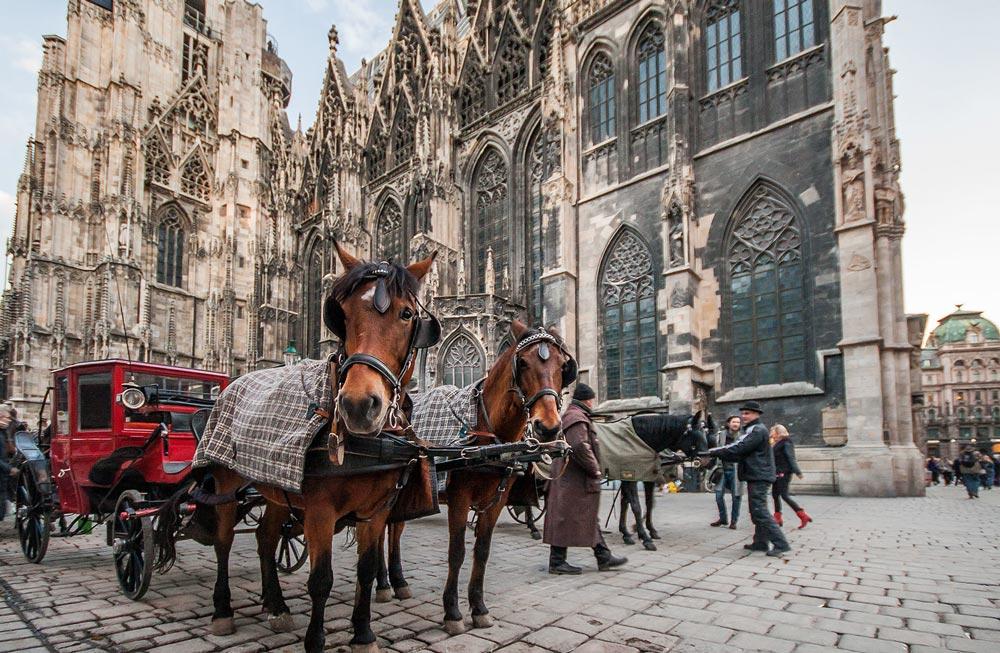 Автобусные туры в Европу на новогодние каникулы