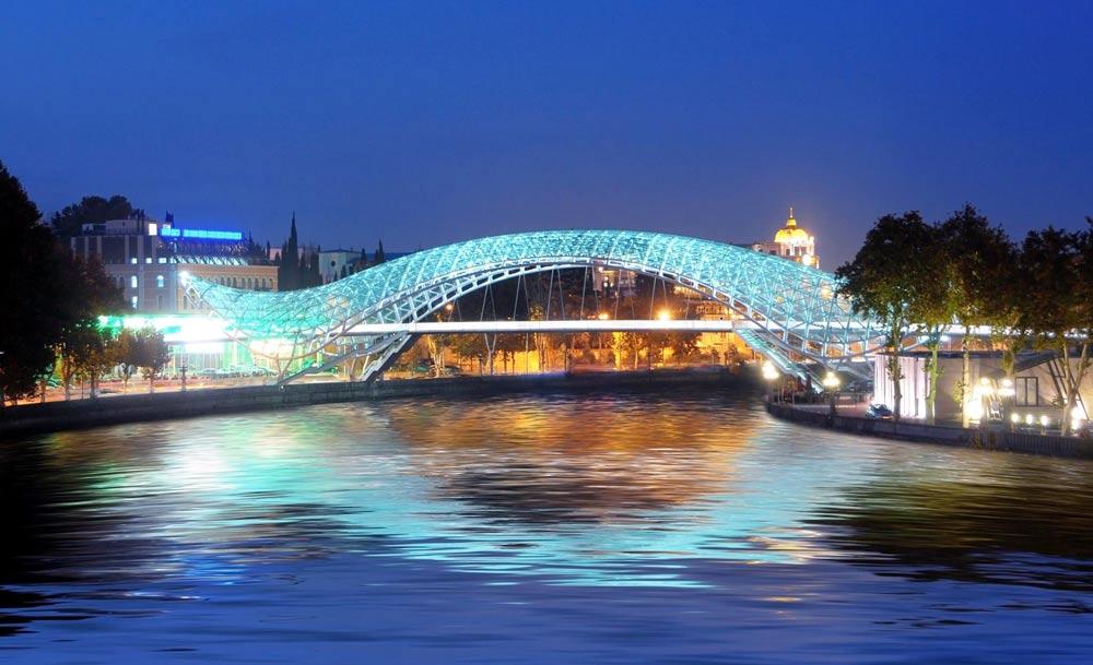 Мост мира в Грузии