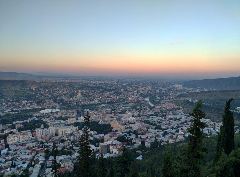 Вид с горы Мтацминда
