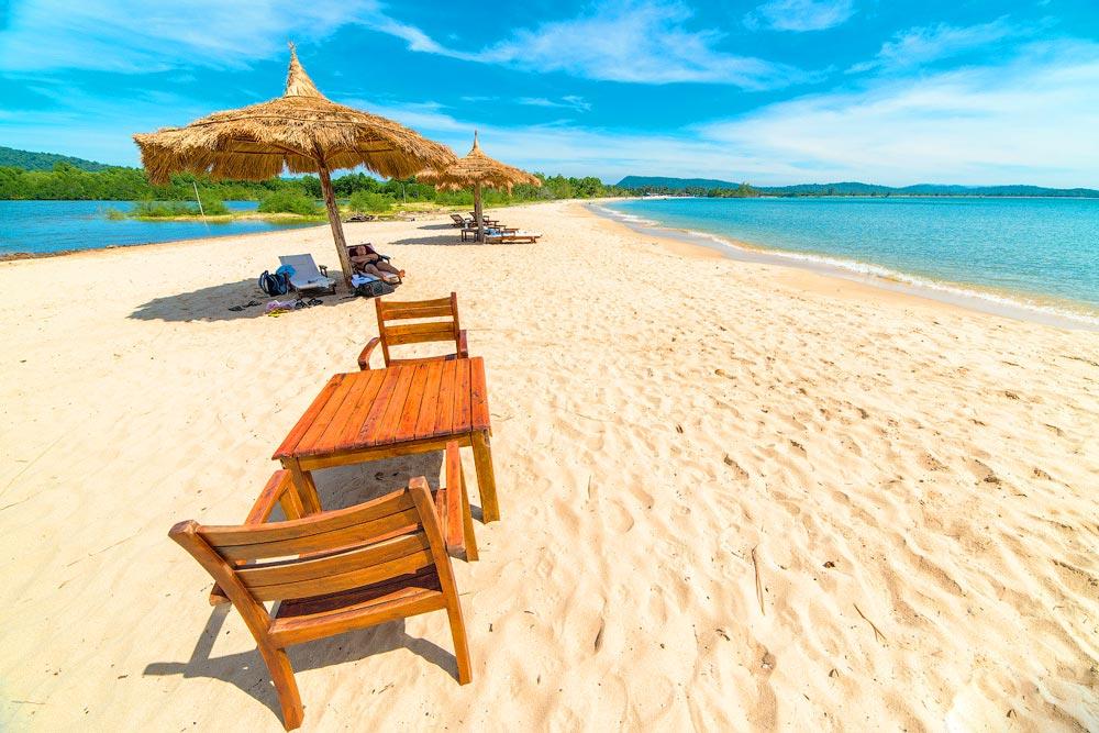 Пляжный отдых осенью 2019 года: какой курорт выбрать, недорогие варианты отдыха на море новые фото