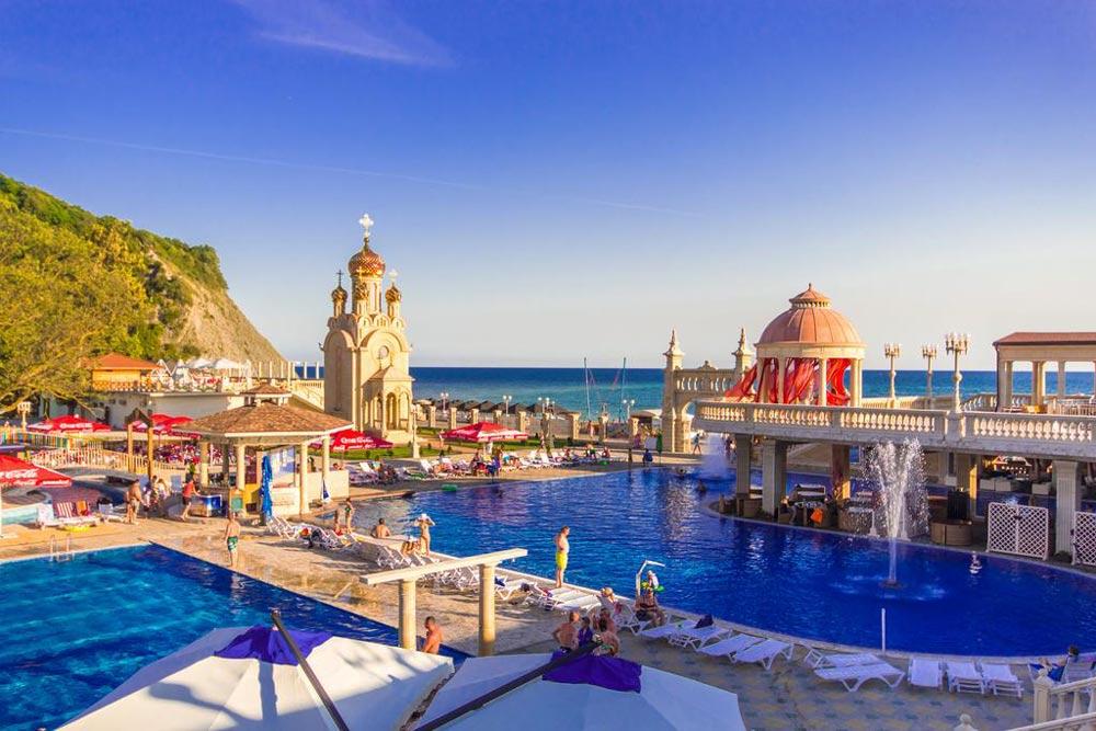 отели с бассейном для отдыха с детьми в Крыму