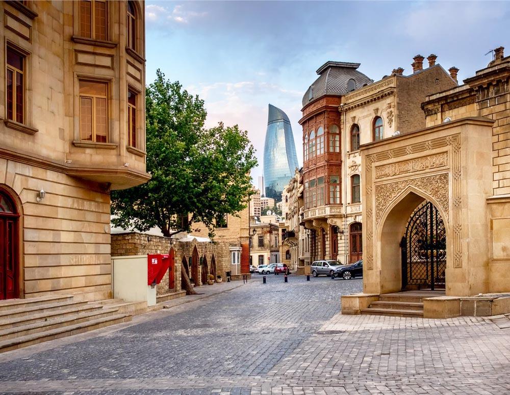 Где погулять в Баку вечером