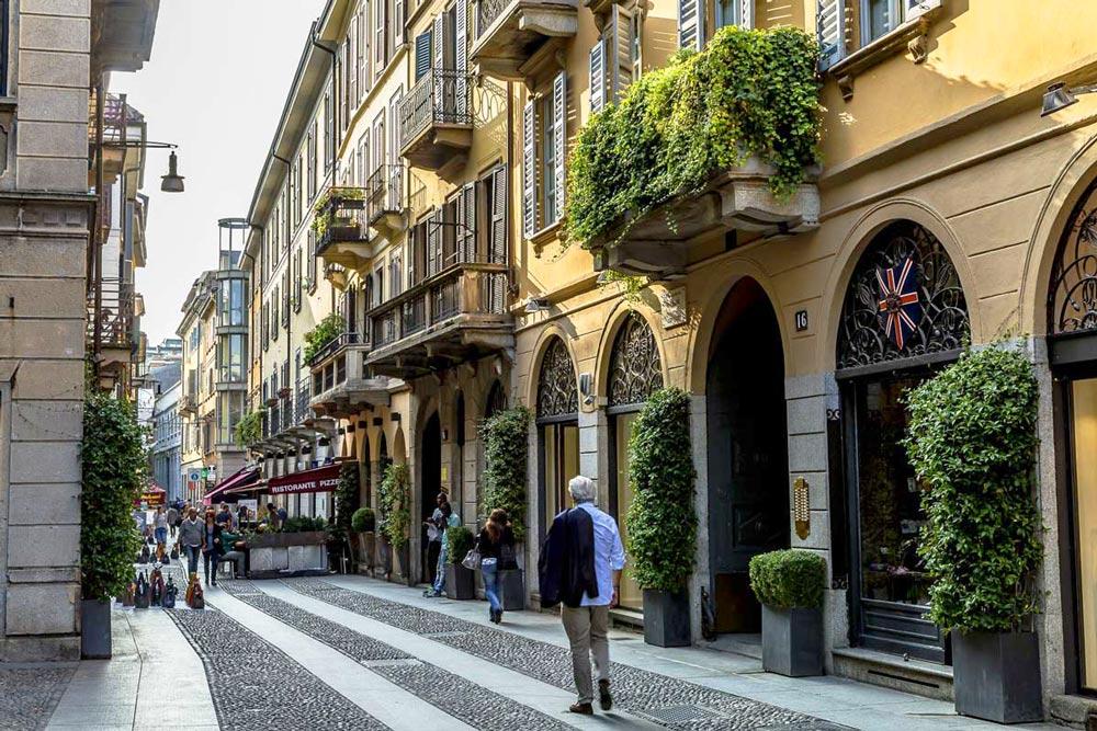магазины для шопинга в Милане