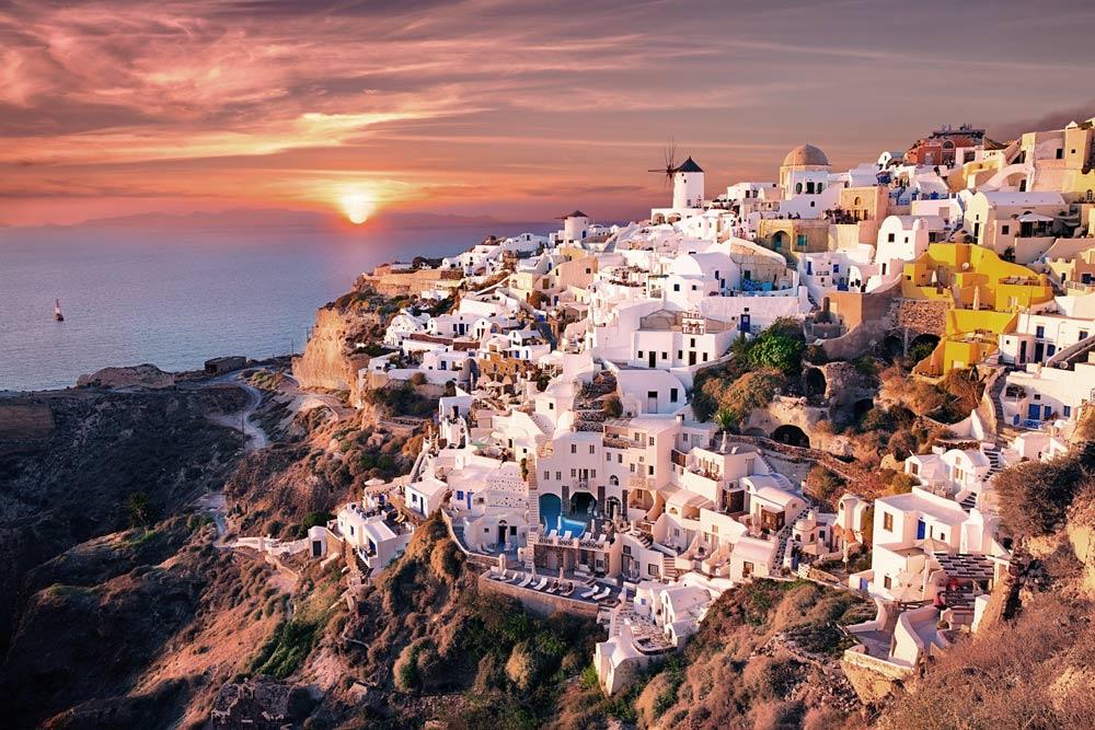 Остров Санторини в Греции летом
