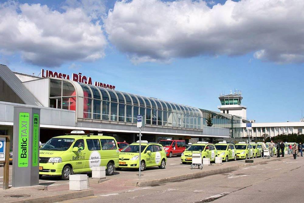 На чем добраться из аэропорта до центра Риги
