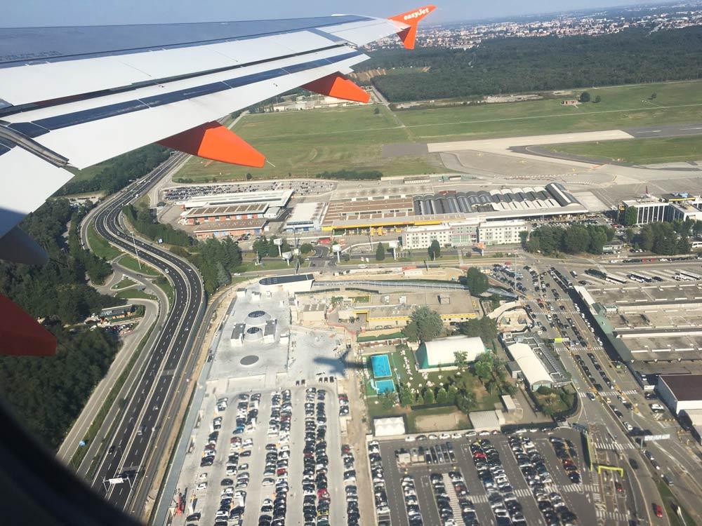 На чем доехать из аэропорта в Милан