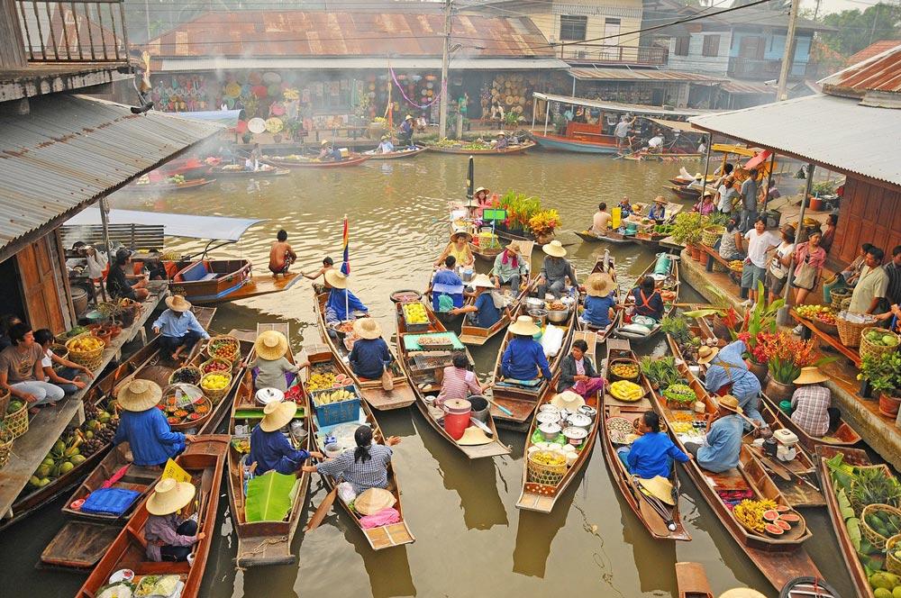 рынок на реке