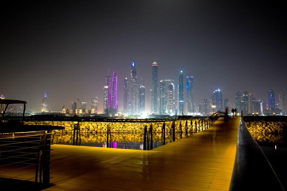 Дубай вечером