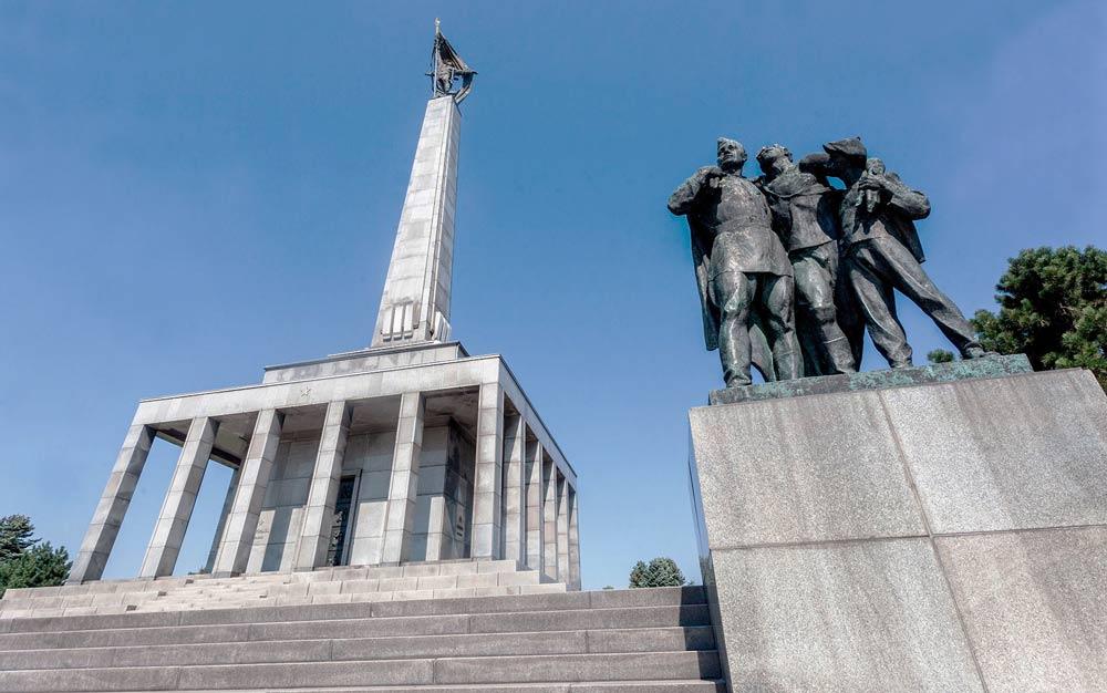 памятник войинам