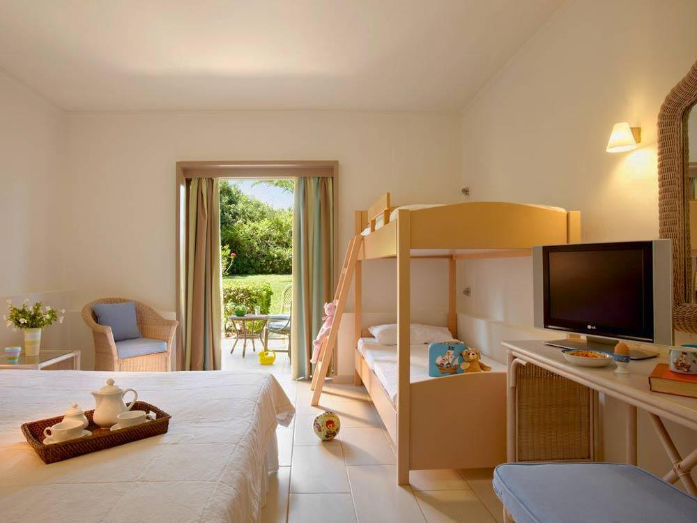 уютная гостиница у моря в Греции