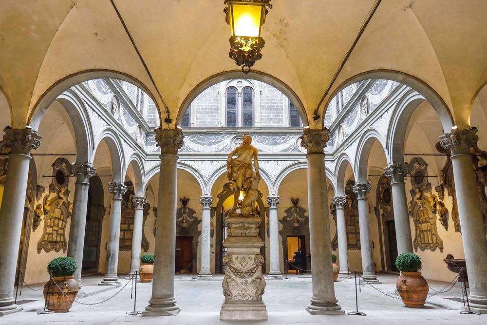 дворец Медичи-Риккарди