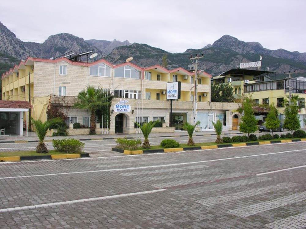 Вид на фасад