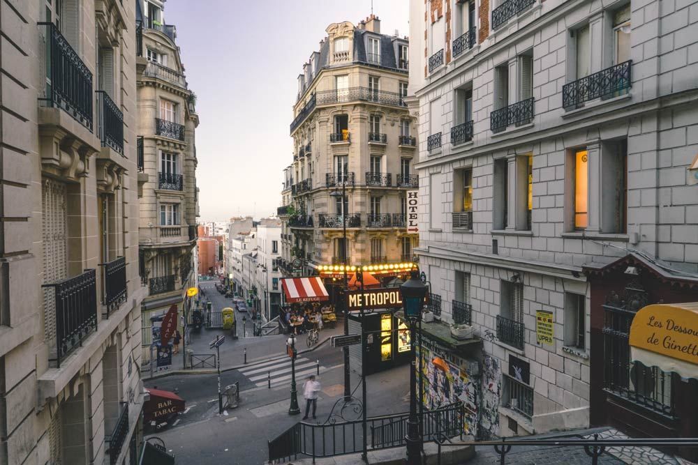 где побывать в Париже весной