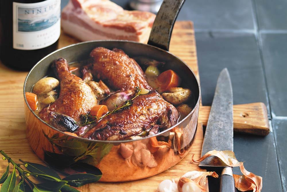жареная курица в вине