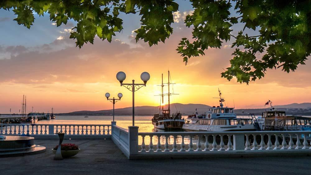 побережье в Крыму
