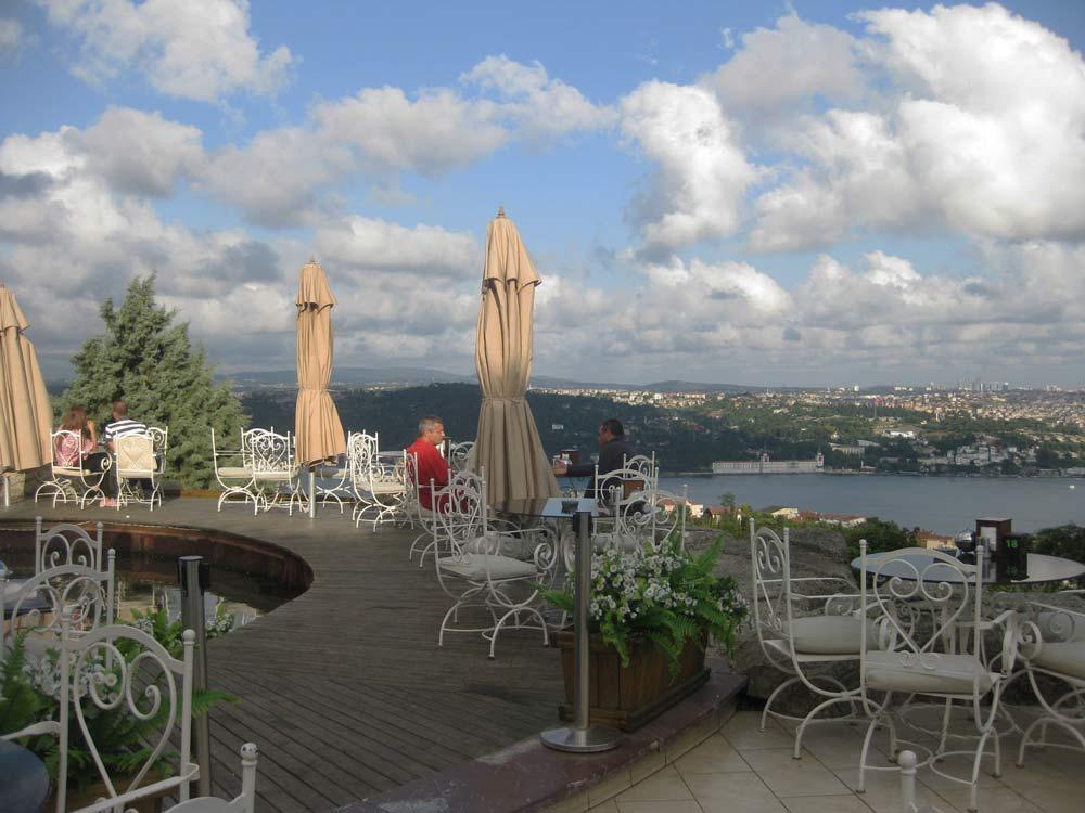 кафе с видом на Стамбул