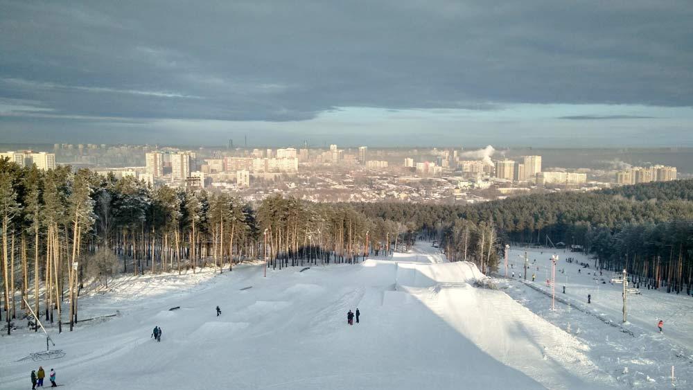 зимний вид на город